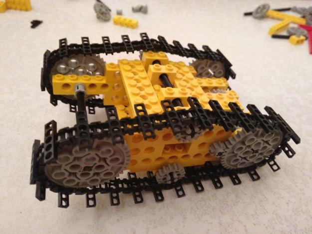 Lego MOC Tumbler tracks v1