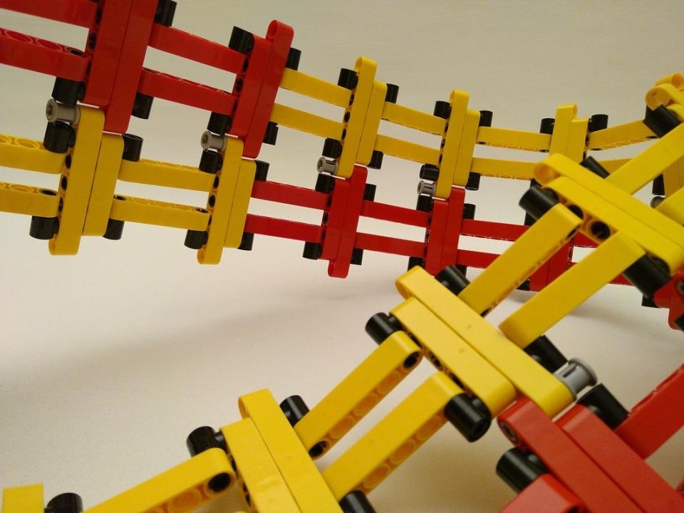 Divisible Möbius strip